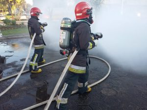 bombeiros-bom-principio-vestem-uniformes-junghaus